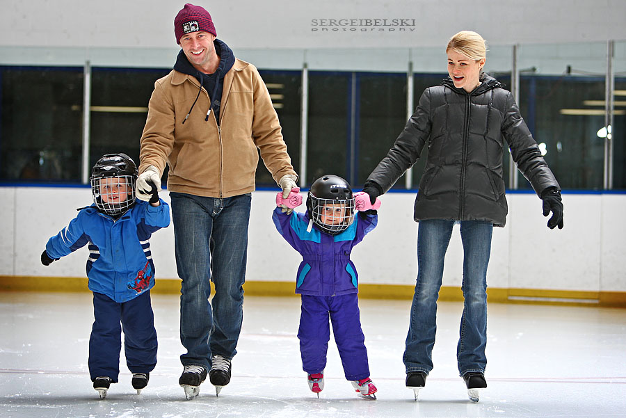 airdrie family skating photo