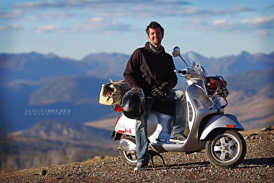 calgary-wedding-photographer-vespa-adven
